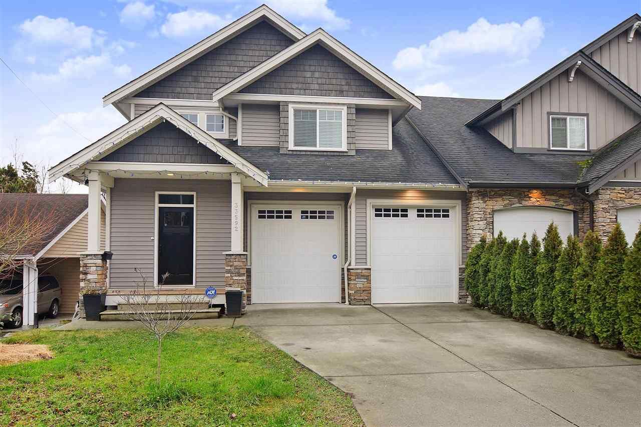 Main Photo: 33592 2ND Avenue in Mission: Mission BC 1/2 Duplex for sale : MLS®# R2431851