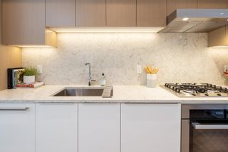 Photo 2: 2133 W 7TH AVENUE in Vancouver: Kitsilano Townhouse for sale (Vancouver West)  : MLS®# R2613905