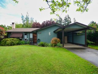 Photo 1: 2053 Winmeadow Pl in : Si Sidney South-West House for sale (Sidney)  : MLS®# 876709