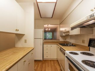 """Photo 7: 3953 PARKWAY Drive in Vancouver: Quilchena Townhouse for sale in """"ARBUTUS VILLAGE"""" (Vancouver West)  : MLS®# R2591201"""