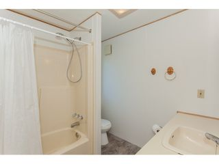 """Photo 14: 46 15875 20 Avenue in Surrey: King George Corridor Manufactured Home for sale in """"SEA RIDGE BAYS"""" (South Surrey White Rock)  : MLS®# R2192542"""