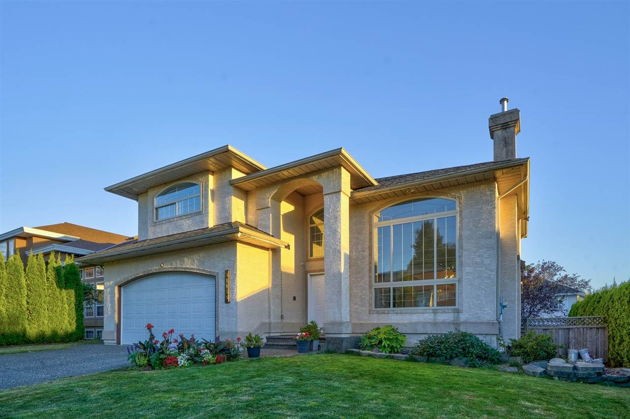 """Main Photo: 31486 UPPER MACLURE Road in Abbotsford: Abbotsford West House for sale in """"TRWEY TO MT LMN N OF MCLR"""" : MLS®# R2496018"""