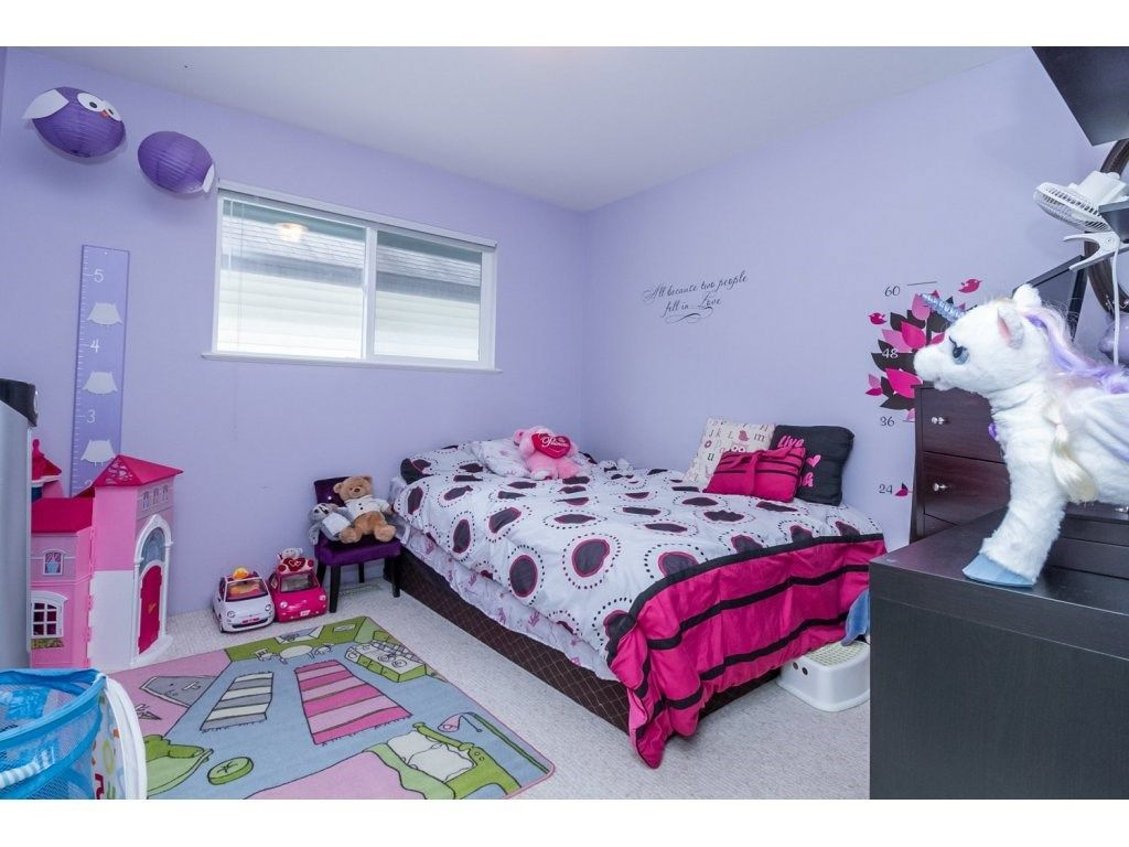 """Photo 15: Photos: 18479 66A Avenue in Surrey: Cloverdale BC House for sale in """"Heartland"""" (Cloverdale)  : MLS®# R2095726"""