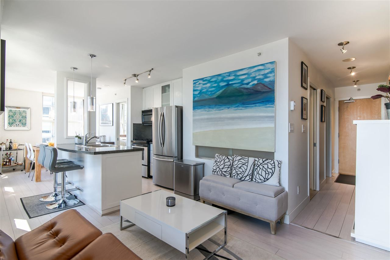 """Main Photo: 1207 989 RICHARDS Street in Vancouver: Downtown VW Condo for sale in """"MONDRIAN I"""" (Vancouver West)  : MLS®# R2373679"""