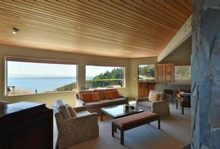Photo 14: 6853 ISLAND VIEW Road in Sechelt: Sechelt District House for sale (Sunshine Coast)  : MLS®# R2610848