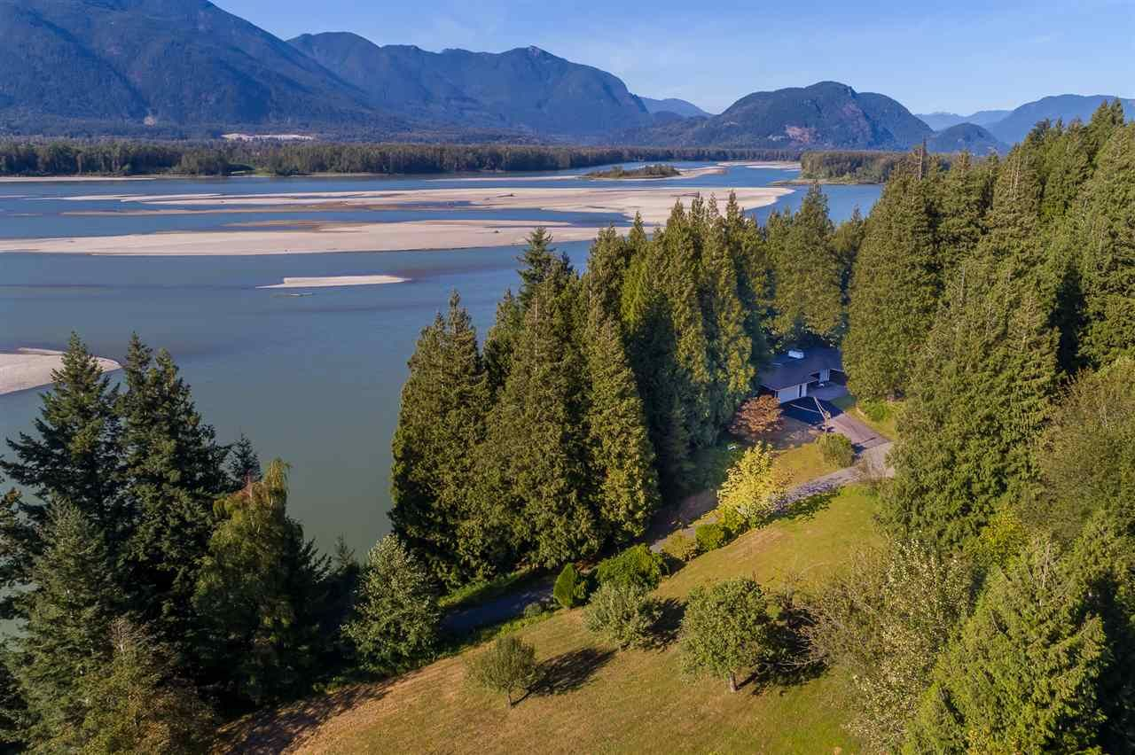 """Main Photo: 42737 OLD ORCHARD Road in Chilliwack: Chilliwack Mountain House for sale in """"Chilliwack Mountain"""" : MLS®# R2201950"""