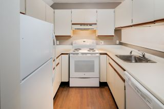 """Photo 11: C1 1100 W 6TH Avenue in Vancouver: Fairview VW Townhouse for sale in """"Fairview Place"""" (Vancouver West)  : MLS®# R2141815"""