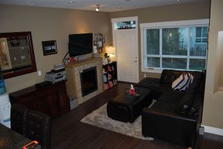 """Photo 2: 24 7298 199A Street in Langley: Willoughby Heights Townhouse for sale in """"York"""" : MLS®# R2024147"""