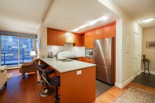 "Photo 5: 702 158 W 13TH Street in North Vancouver: Central Lonsdale Condo for sale in ""Vista Place"" : MLS®# R2342022"