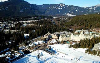 "Photo 17: 406 4557 BLACKCOMB Way in Whistler: Benchlands Condo for sale in ""LE CHAMOIS"" : MLS®# R2424119"