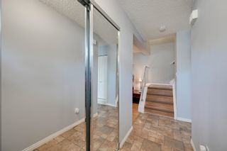 Photo 2: 1692 LAKEWOOD Road S in Edmonton: Zone 29 Townhouse for sale : MLS®# E4248367