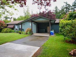 Photo 2: 2053 Winmeadow Pl in : Si Sidney South-West House for sale (Sidney)  : MLS®# 876709
