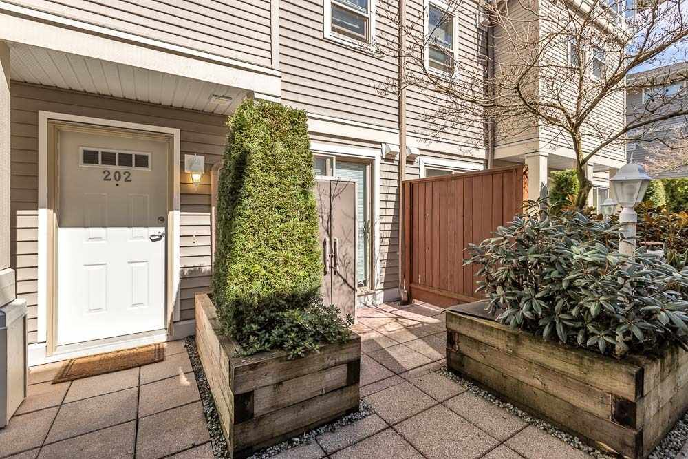 """Main Photo: 202 2432 WELCHER Avenue in Port Coquitlam: Central Pt Coquitlam Townhouse for sale in """"GARDENIA"""" : MLS®# R2564693"""