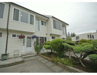 """Photo 1: 61 9386 128TH Street in Surrey: Queen Mary Park Surrey Townhouse for sale in """"Surrey Meadows"""" : MLS®# F2819462"""