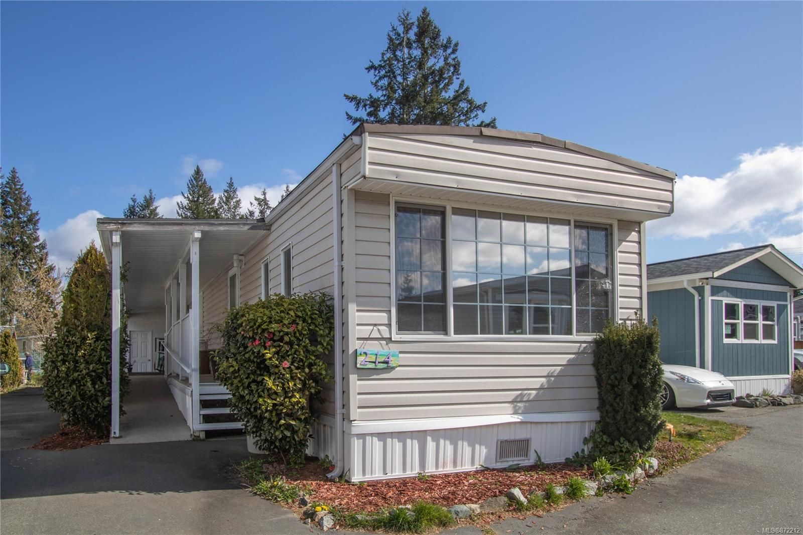 Main Photo: 214 3120 Island Hwy in : CR Campbell River Central Manufactured Home for sale (Campbell River)  : MLS®# 872212