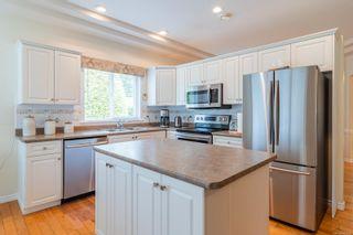 Photo 5: 566 Juniper Dr in : PQ Qualicum Beach House for sale (Parksville/Qualicum)  : MLS®# 881699