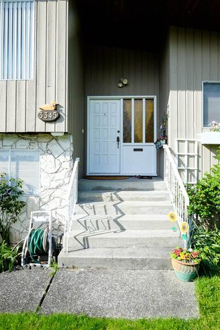 Photo 2: 3345 CARDINAL Drive in Burnaby: Government Road House for sale (Burnaby North)  : MLS®# R2067088