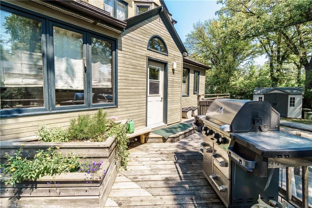 Photo 42: Photos: 906 North Drive in Winnipeg: East Fort Garry Residential for sale (1J)  : MLS®# 202116251
