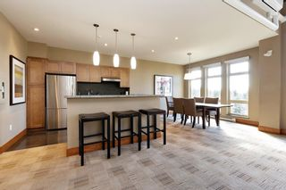 """Photo 15: 207 3082 DAYANEE SPRINGS BOULEVARD Boulevard in Coquitlam: Westwood Plateau Condo for sale in """"The Lanterns"""" : MLS®# R2443838"""