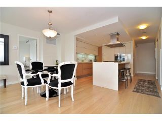 """Photo 7: 1603 8 SMITHE Mews in Vancouver: False Creek Condo for sale in """"Flagship"""" (Vancouver West)  : MLS®# V1064248"""