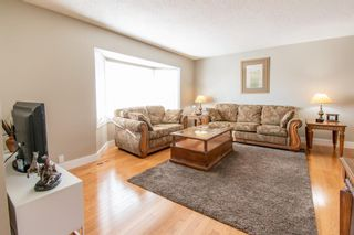 Photo 5: 132 Silver Springs Green NW in Calgary: Silver Springs Detached for sale : MLS®# A1082395