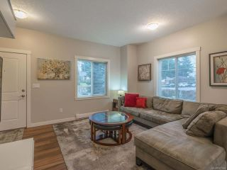 Photo 5: 101 1675 Crescent View Dr in NANAIMO: Na Central Nanaimo Row/Townhouse for sale (Nanaimo)  : MLS®# 831959