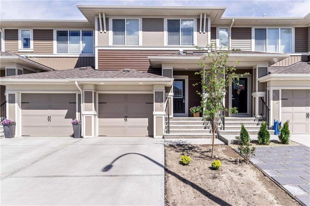 Main Photo: 617 HILLCREST Road SW: Airdrie Row/Townhouse for sale : MLS®# C4306050