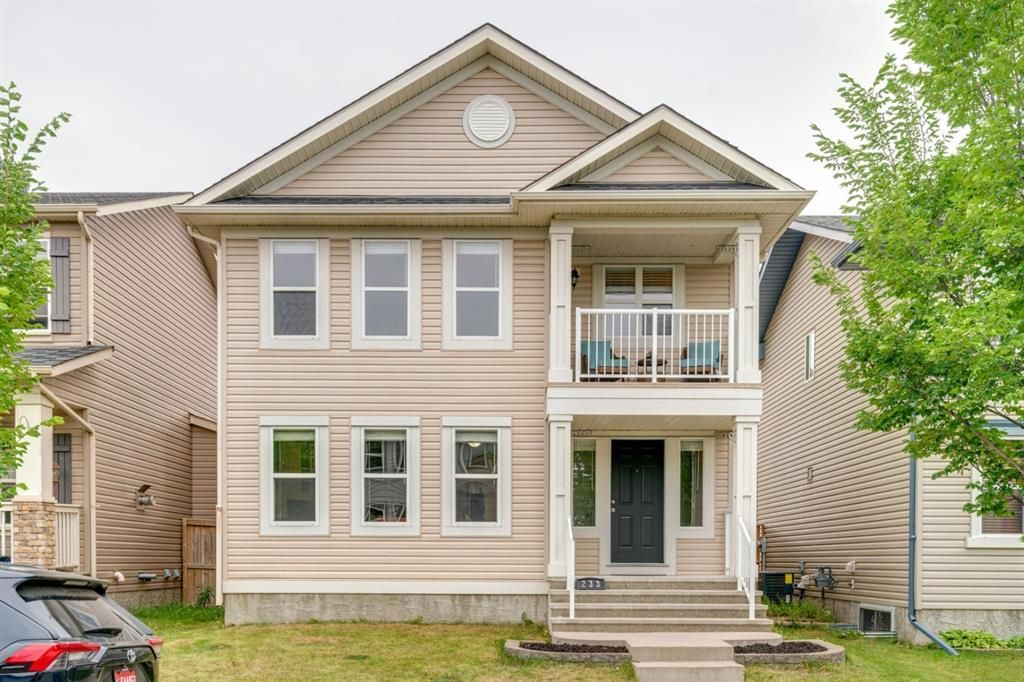 Main Photo: 233 Elgin Manor SE in Calgary: McKenzie Towne Detached for sale : MLS®# A1138231