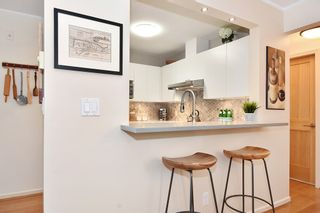 """Photo 6: 106 2588 ALDER Street in Vancouver: Fairview VW Condo for sale in """"BOLLERT PLACE"""" (Vancouver West)  : MLS®# R2429460"""