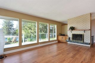 """Photo 2: 14233 MAGDALEN Avenue: White Rock House for sale in """"West White Rock"""" (South Surrey White Rock)  : MLS®# R2262291"""