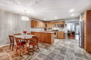 """Photo 2: 59 19060 FORD Road in Pitt Meadows: Central Meadows Townhouse for sale in """"REGENCY COURT"""" : MLS®# R2448709"""