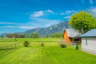 Photo 2: 5063 BOUNDARY Road in Abbotsford: Sumas Prairie House for sale : MLS®# R2392598