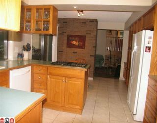 """Photo 5: 7018 PARKVIEW Place in Delta: Sunshine Hills Woods House for sale in """"SUNSHINE HILLS"""" (N. Delta)  : MLS®# F1002168"""