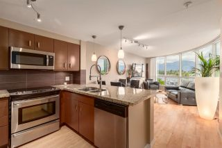 """Photo 1: 202 588 BROUGHTON Street in Vancouver: Coal Harbour Condo for sale in """"HARBOURSIDE PARK"""" (Vancouver West)  : MLS®# R2579225"""