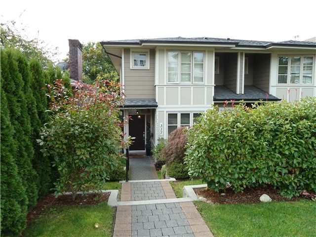 Main Photo: 317 E 5TH Street in North Vancouver: Lower Lonsdale 1/2 Duplex for sale : MLS®# V1051265