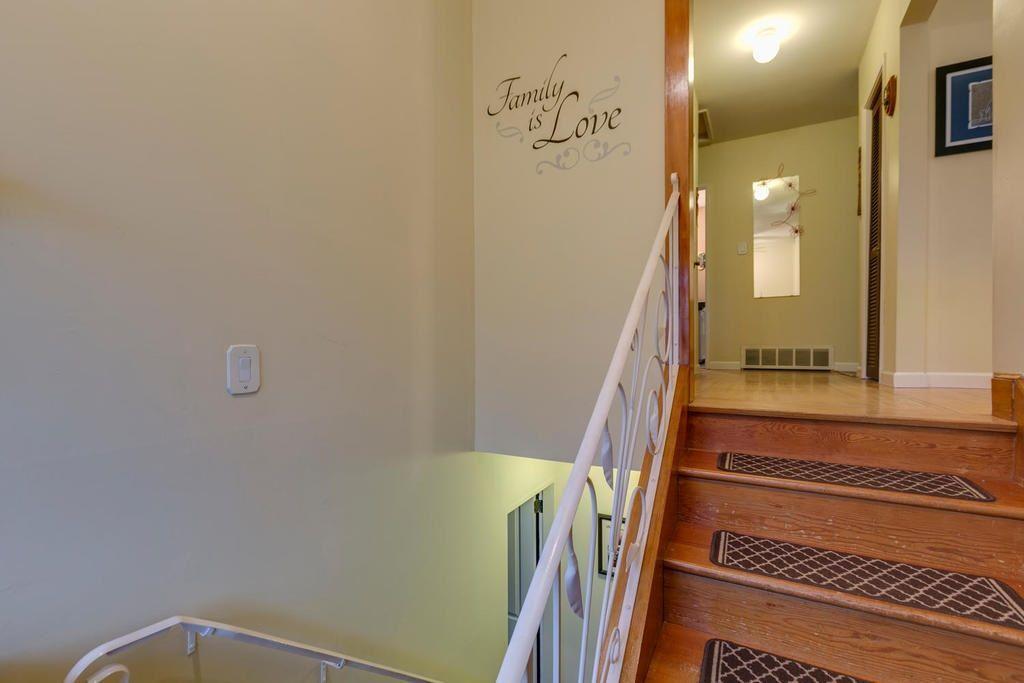 Photo 3: Photos: 12579 97 Avenue in Surrey: Cedar Hills House for sale (North Surrey)  : MLS®# R2225806