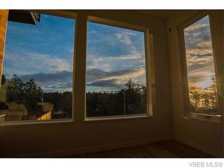 Photo 11: 1602 lloyd Pl in VICTORIA: VR Six Mile House for sale (View Royal)  : MLS®# 745159