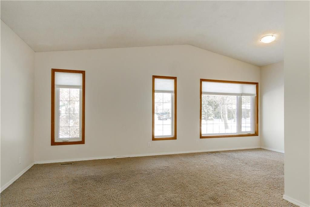 Photo 6: Photos: 114 Laurent Drive in Winnipeg: Richmond Lakes Residential for sale (1Q)  : MLS®# 202002780