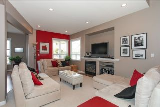 Photo 3: 19171 68 STREET in Cloverdale: Home for sale : MLS®# R2080046