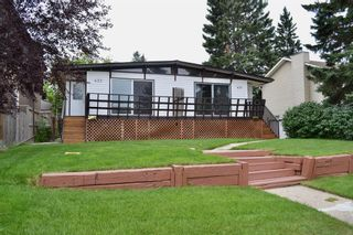 Photo 2: 431 21 Avenue NE in Calgary: Winston Heights/Mountview Semi Detached for sale : MLS®# A1135304