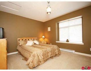 """Photo 10: 33 18828 69TH Avenue in Surrey: Clayton Townhouse for sale in """"STARPOINT"""" (Cloverdale)  : MLS®# F2901097"""
