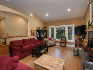 Photo 8: 6830 East Saanich Rd in : CS Saanichton House for sale (Central Saanich)  : MLS®# 873148
