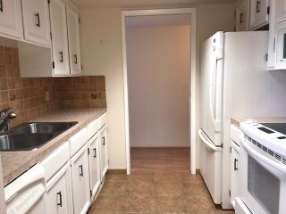 "Photo 9: 502 1480 FOSTER Street: White Rock Condo for sale in ""White Rock Square I"" (South Surrey White Rock)  : MLS®# R2442342"