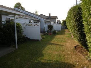 Photo 15: 4 23580 Dewdney Trunk Road in St George's Village: Home for sale : MLS®# V975203