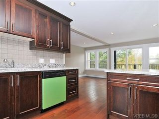 Photo 10: 105 982 Rattanwood Pl in VICTORIA: La Happy Valley Row/Townhouse for sale (Langford)  : MLS®# 625869