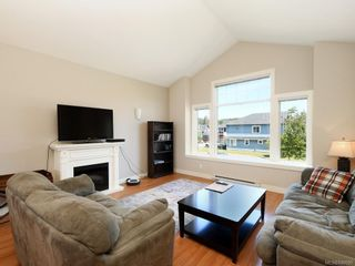 Photo 2: 1015 Englewood Ave in Langford: La Happy Valley House for sale : MLS®# 840595