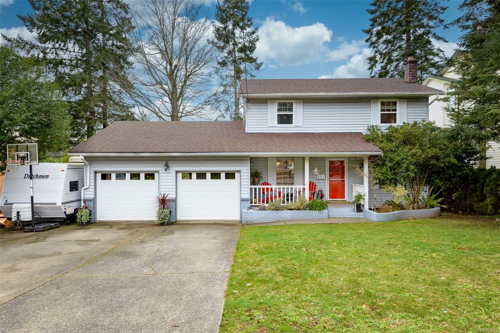 Main Photo: 641 Totem Cres in : CV Comox (Town of) House for sale (Comox Valley)  : MLS®# 863518