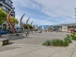 """Photo 14: 221 1783 MANITOBA Street in Vancouver: False Creek Condo for sale in """"Residences at West"""" (Vancouver West)  : MLS®# R2055907"""