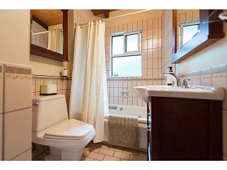 """Photo 11: 4220 CLIFFMONT Road in North Vancouver: Deep Cove House for sale in """"Deep Cove"""" : MLS®# V1081027"""