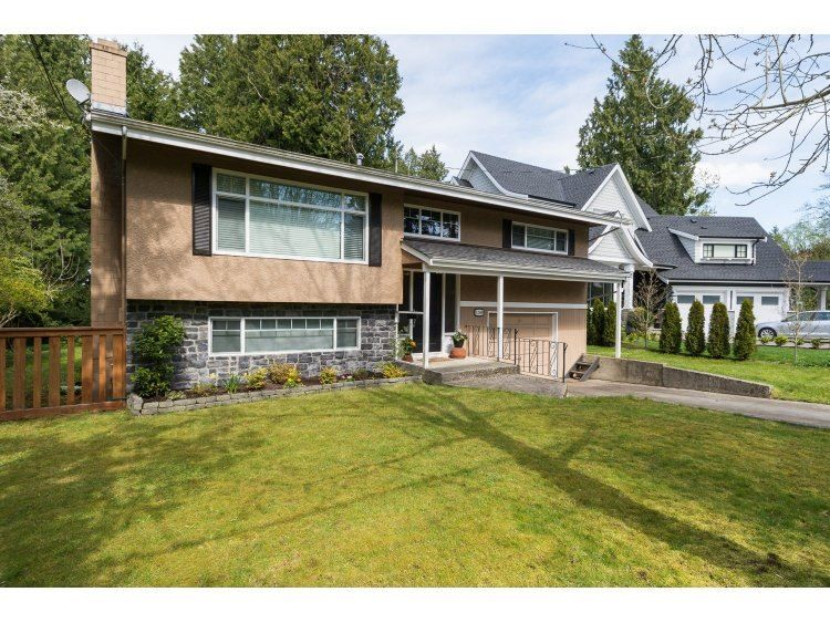 "Main Photo: 12569 26 Avenue in Surrey: Crescent Bch Ocean Pk. House for sale in ""Crescent Heights"" (South Surrey White Rock)  : MLS®# R2054552"